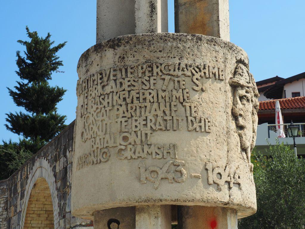 Monumento ai Caduti della Garibaldi in Albania
