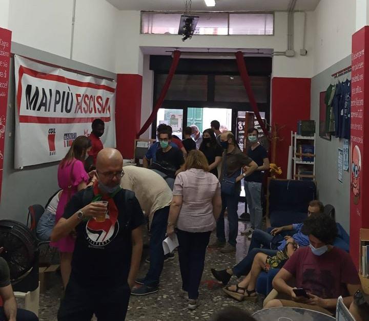 Un altro momento della festa del tesseramento Anpi 2020 nella sede della associazione culturale Zona Franka