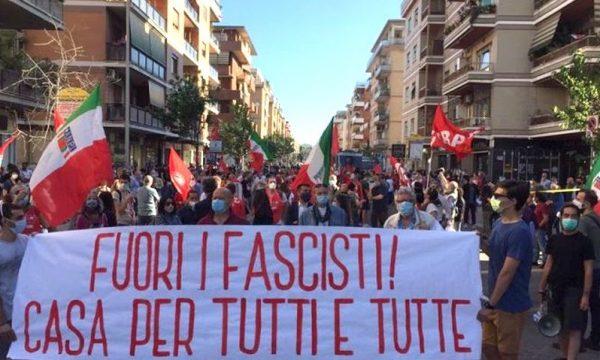 La partecipata manifestazione unitaria contro l'occupazione a Ostia del 27 maggio scorso, nel rispetto delle norme antipandemia